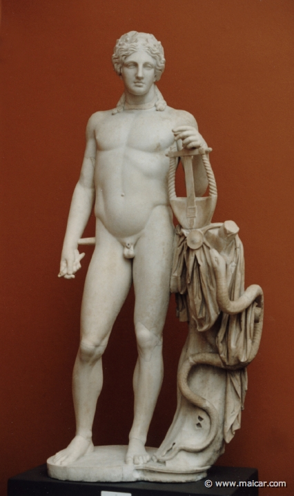 Roman statue by Apollonius