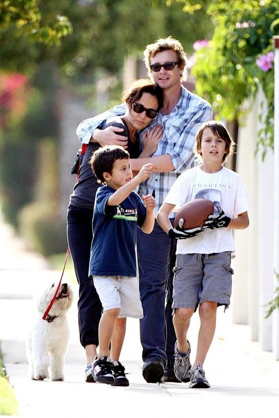 simon-baker-family-walking-photos-1160657087