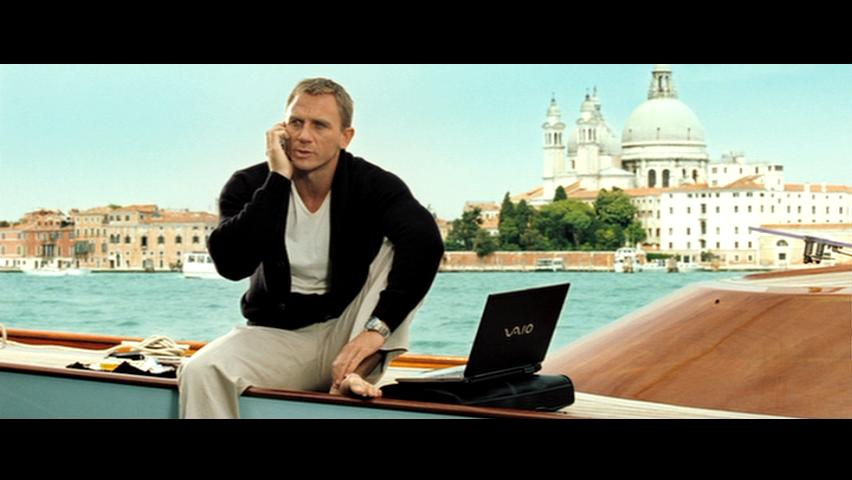 james-bond-casino-royale-venice-boat
